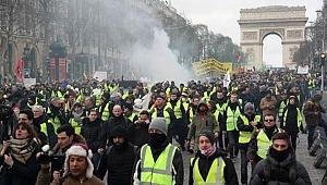 Paris sokakları karıştı, 1 kişinin kolu koptu