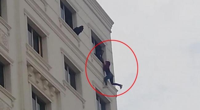 Polis son anda yakalayıp, kurtardı