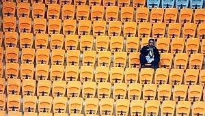 Şampiyonluğa koşan takımın maçına sadece 1 kişi geldi