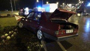 Suç makinesi maganda havaya ateş edip polisten kaçarken kaza yaptı