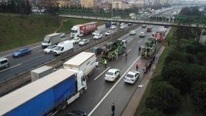 TEM'de zincirleme kaza... Bölgede yoğun trafik var
