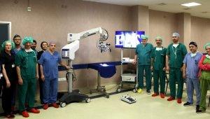 Tıp Fakültesi'ne yarım milyonluk ameliyat mikroskobu - Bursa Haberleri