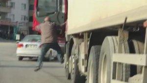 Trafikte ölümüne kavga