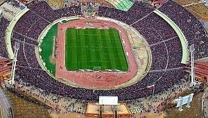 Türk takımının maçını 100 bin taraftar izleyince tarihe geçtiler