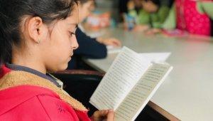 UEDAŞ Türkiye'nin dört bir yanını kitapla aydınlatıyor - Bursa Haberleri