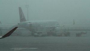 Yoğun sis nedeniyle uçaklar Yenişehir'e mecburî iniş yapmaya devam ediyor - Bursa Haberleri