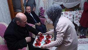 Yozgat'ta çay davetini kırmadılar