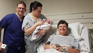 55 yaşında kendi torununu doğurdu