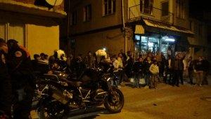 Ahlak polisini alkışlarla karşıladılar - Bursa Haberleri