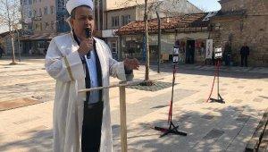 Belediye başkan adayı mitingden sonra cübbe giyip dua etti - Bursa Haberleri