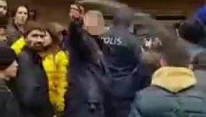 Biber gazı sıkan polis görevden uzaklaştırıldı
