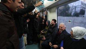 Binali - Semiha Yıldırım çifti Gebze-Halkalı treninde