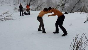 Brezilya'dan eğitim için gelen öğrenci ilk defa kar gördü - Bursa Haberleri