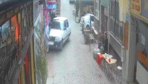 Bursa'da patronunun otomobilini çalıştıran genç önüne çıkan adamı ezerek iş yerine girdi: 2 yaralı