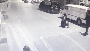 Cadde ortasında pompalı tüfek dehşeti