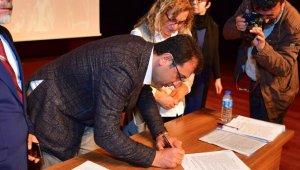 CHP İstanbul Adayı Ekrem İmamoğlu Mahalle Birlikleri'yle 6 Maddelik Taahhütname İmzaladı