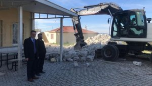 Demirleri çürüyen caminin minaresi yıkıldı - Bursa Haberleri