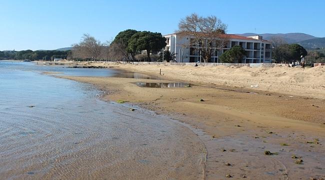 Deniz çekilince antik iskele ortaya çıktı