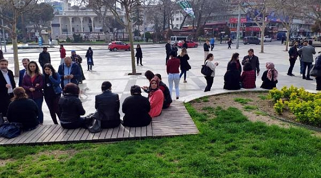 Denizli'de şiddetli deprem... Antalya ve İzmir'den de hissedildi