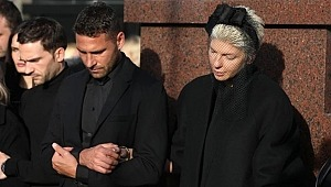 Dusko Tosic'in eşi Jelena Karleusa, annesini kaybetti