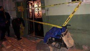 Engelli aracıyla kuruyemiş satarak geçinen şahıs evinde boğazında kesiklerle ölü bulundu