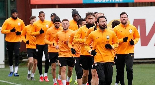 Galatasaray'da 8 futbolcudan 1 futbolcuya
