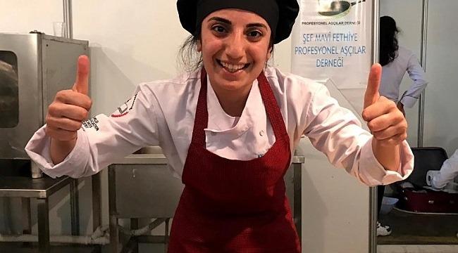 Genç aşçı Bursa'ya altın madalyayla döndü - Bursa Haberleri