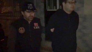 İzmir'de FETÖ'nün yeni yapılanma girişimine operasyon: 42 gözaltı
