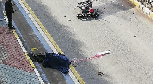 Kahreden olay! Polis babanın en acı görevi, kaza yerinde oğlunun cesedi ile karşılaştı
