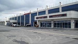 Kayseri Havalimanı'nda silah sesleri! Yaralılar var…
