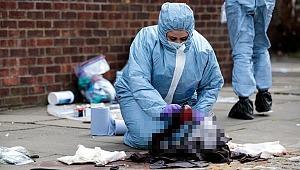 Londra'da kanlı gece, 4 kişi sırtından bıçaklandı