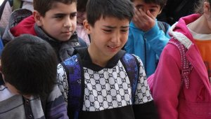 Öğrenciler haberi alınca gözyaşlarına boğuldular
