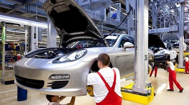 Otomobil devinden çalışanlarına 9 bin 700 Euro ikramiye