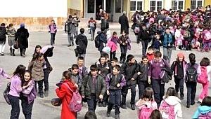 Peşpeşe Meydana Gelen Depremler Sonrası Denizli, Acıpayam İlçesinde Eğitime 2 Gün Ara Verildi