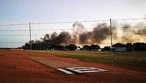 Pilot, eşine kızdı, uçağıyla bilerek binaya girdi