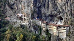 Restorasyondaki Sümela Manastırı görüntülendi