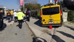 Sahil yolunda dolmuş ile otomobil çarpıştı: 10 yaralı