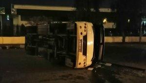 Servis minibüsü ile belediye otobüsü çarpıştı: 10 yaralı
