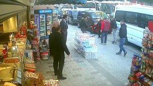 Taksim'de değnekçi dehşeti kamerada