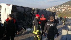 Bursa'da feci trafik kazası! Liseli öğrencileri taşıyan tur otobüsü devrildi: 5'i ağır, 25 yaralı