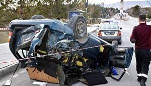 Üniversite Kampüsünde Yarış Yapan İki Araç Dehşet Saçtı! Feci Kazada Ölü ve Yaralılar Var
