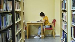 Yurt dışında devlet burslu 2 bin 674 öğrenci eğitim görüyor