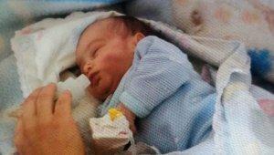 Acı olay... Banyoda yıkarken annesinin elinden düşen bebek hayatını kaybetti