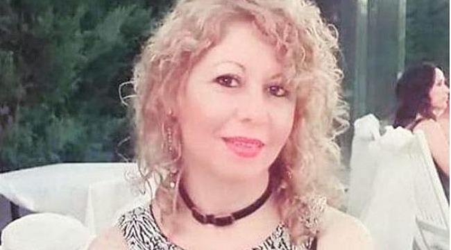 Başka bir erkekle mesajlaştığını sandığı eşini öldürdü