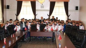 Başkan Aydın öğrencileri sevindirdi - Bursa Haberleri