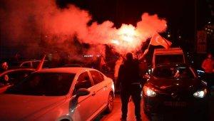 Bursa'da AK Parti'liler seçim sonuçlarını coşkuyla kutluyor - Bursa Haberleri