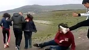 Dedikodu yaptıkları iddiasıyla genç kızlara dayak attılar...