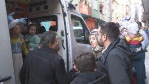 Esenler'de yangın: 3'ü çocuk 5 kişi dumandan etkilendi
