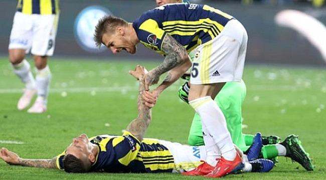 Fenerbahçe'de Martin Skrtel yürekleri ağza getirdi