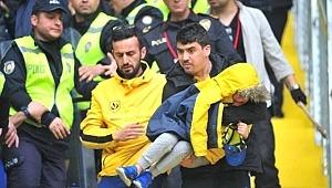 Fenerbahçe maçında çıkan arbede sonucu küçük çocuk Şoka Girdi